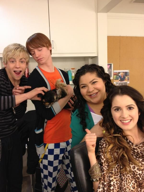 images about Austin  amp  Ally on Pinterest   Laura marano     Pinterest Austin and Ally cast