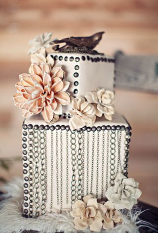 Wedding Cakes   Chained to Love (Blush + Silver +White)