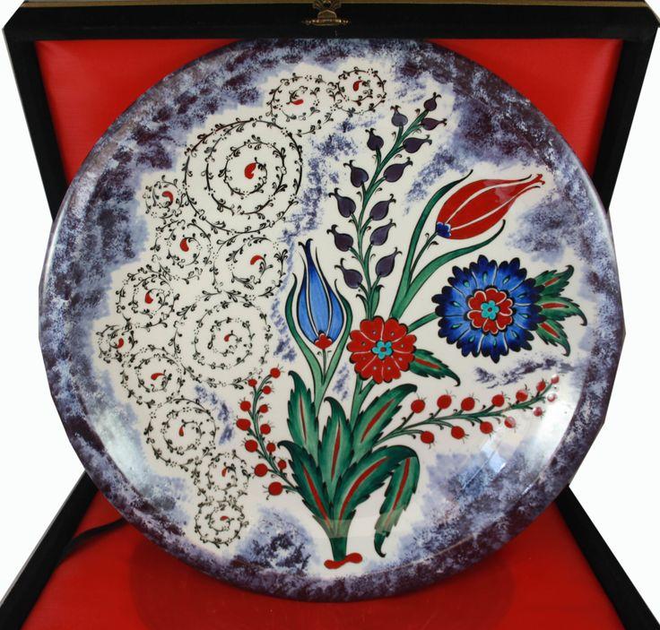 Haliç ve Çiçek Bahçesi Desenli İznik Çini Tabak