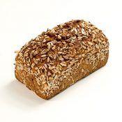 Ein Vollkornbrot selber zu backen macht nicht nur Spaß, es ist gesund und Sie können die Zutaten selbst bestimmen. Die Brote sind sehr wandelbar und können auf den individuellen Geschmack abgestimmt werden. Sie benötigen einen Backofen, ein Rührgerät oder eine Küchenmaschine und eine Kastenform. Die Zutaten Für ein einfaches Vollkornbrot benötigen Sie 350 Milliliter Wasser, …