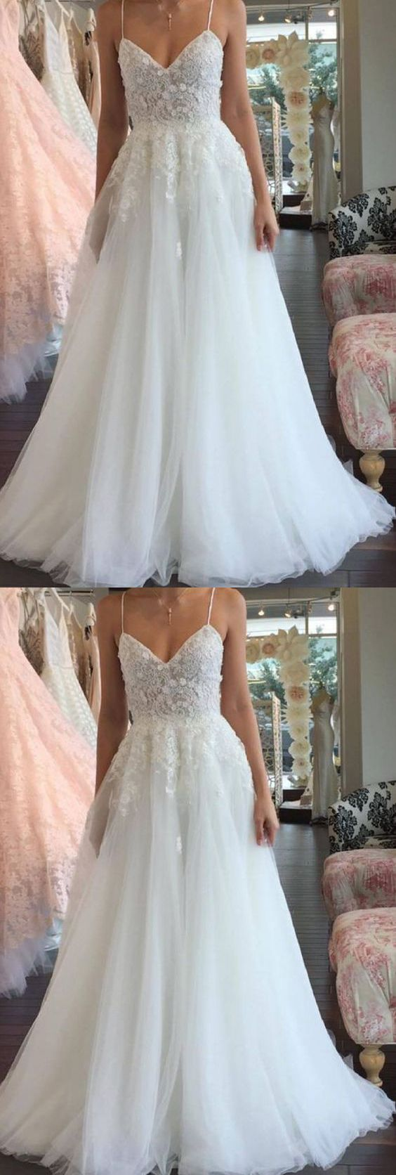 Elegant A Line V Neck Spaghetti Straps White Tulle Wedding Dress with Applique