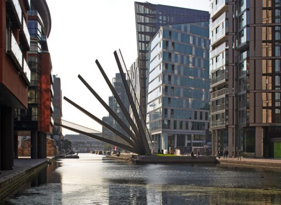 The UK-based firm Knight Architects has created a pedestrian bridge in London that opens and closes like a Japanese folding fan. The Merchant Square Footbridge is comprised of five steel beams that sequentially open with the help of hydraulic jacks. The structure spans about 65 feet across the Grand Union Canal in the new mixed-use Merchant Square development in Paddington.