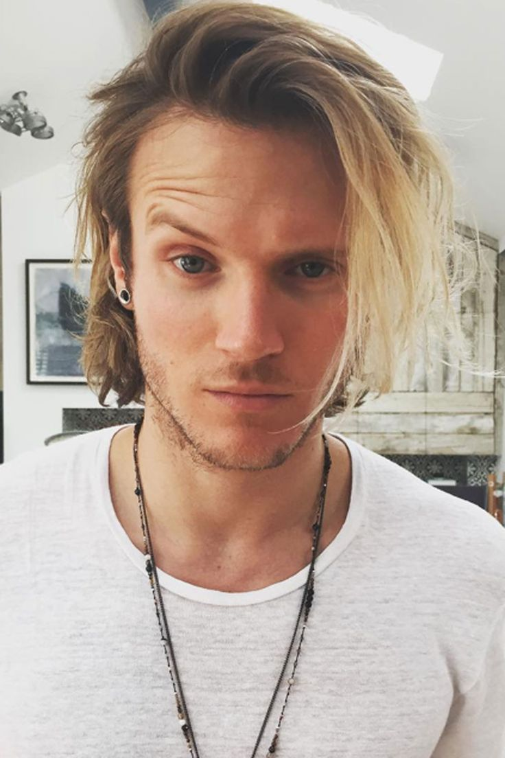 Dougie Poynter looks *very* attractive with his shorter hair