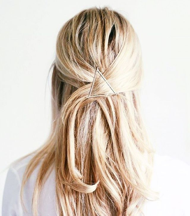 easy hairstyle with bobby pins