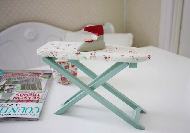 mini ironing board  - maileg