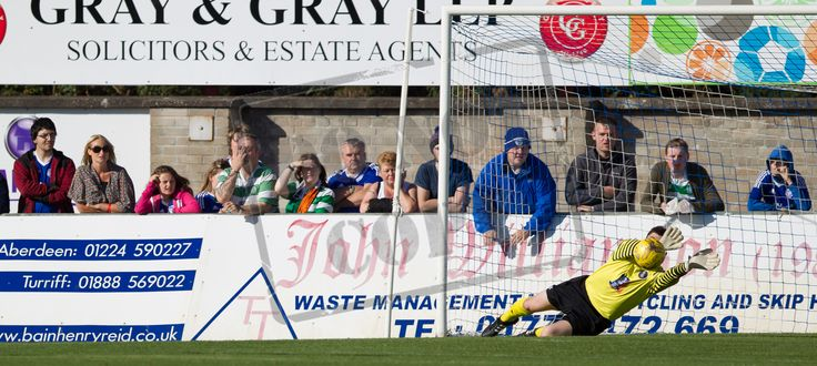 Queen's Park's Andrew Murphy saves during the Ladbrokes League One game between Peterhead and Queen's Park.