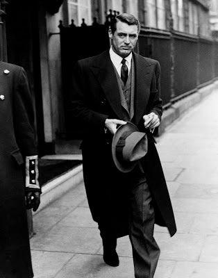 Icono de Estilo: Cary Grant,Al igual que muchos hombres de la edad de oro, Clark también tuvo la sensación de vestir a llevar un anillo en su dedo meñique.