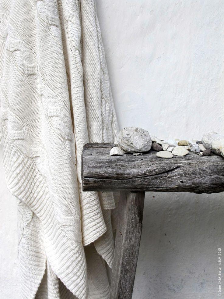 Värmande augustifavoriten URSULA pläd i vitt.