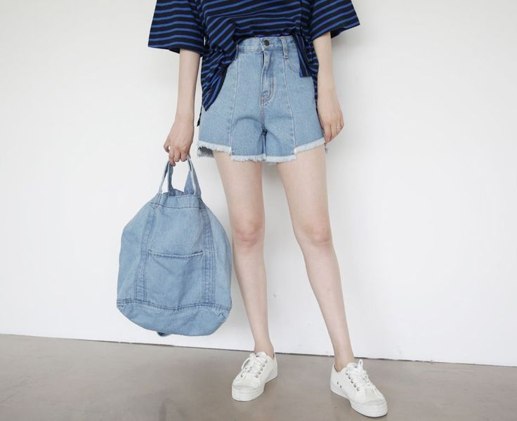 Dress Up Confidence! 66girls.us Denim Tote Bag (DHTU) #66girls #kstyle #kfashion #koreanfashion #girlsfashion #teenagegirls #younggirlsfashion #fashionablegirls #dailyoutfit #trendylook #globalshopping