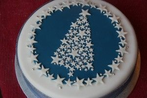 Stars and Sparkle Christmas Tree Cake | Baking, Recipes and Tutorials - The Pink Whisk