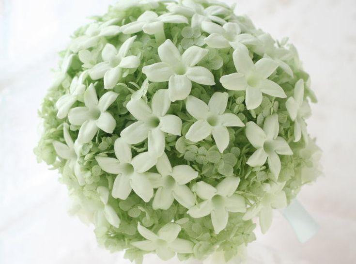 ジャスミンのラウンドブーケ ライトグリーン 冬季臨時休業のお知らせ : 一会 ウエディングの花