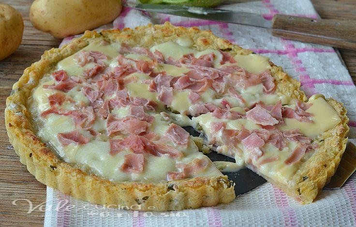 Crostata di zucchine e patate con prosciutto e mozzarella, un gustoso piatto unico, una ricetta con le patate e le zucchine sfiziosa e golosa,buona e facile
