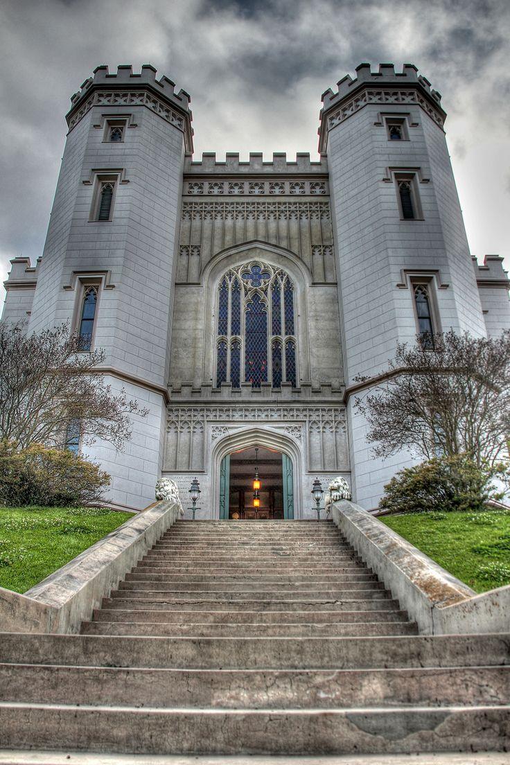 ˚Old Louisiana State Capitol - Baton Rouge, Louisiana