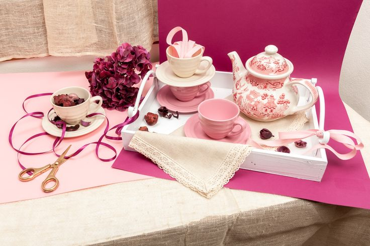 English Breakfast Package:  Drink Earl Grey tea from pale pink cups, just as granny's. Pour this magic liquid from a Chinese patterned teapot, uniquely shaped!