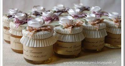 Con più di un mese di ritardo vi mostro queste bomboniere realizzate per il battesimo di Francesco…     … si tratta di vasetti di miele, di ...