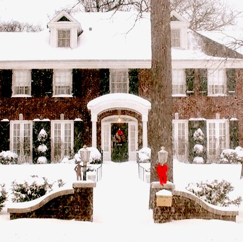 let-it-be-christmas:  under—the—mistletoe:  ❅☃❅☃❅☃