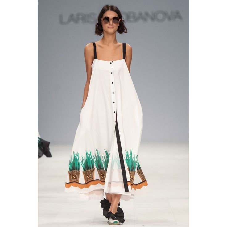 Larisa Lobanova. #dress #floral #details #sunglasses #fashion #VogueRussia #readytowear #rtw #springsummer2017 #LarisaLobanova #VogueCollections
