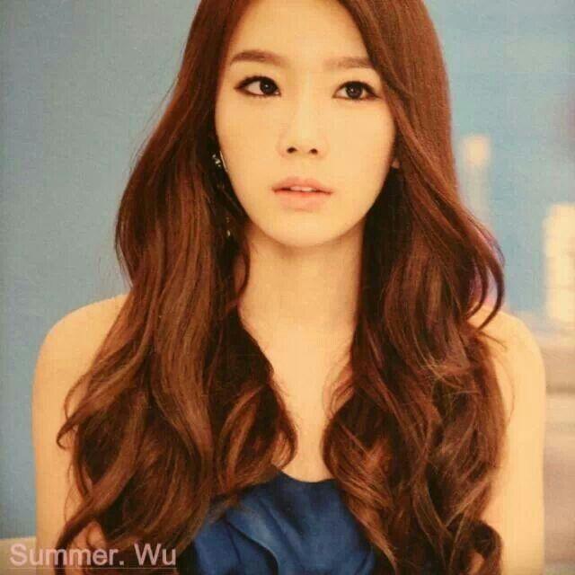 Taeyeon Sana The Queens Of Hairstyles Celebrity Photos Onehallyu
