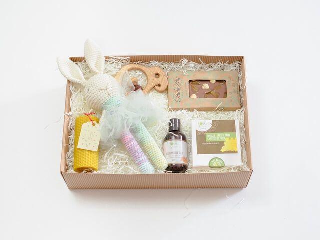 idee cadou pentru bebeluși fetițe și mame