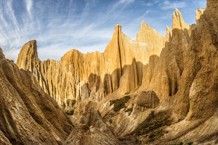 New Zealand cliffs | Early morning view of the Clay Cliffs, Omarama, Mckenzie country New ...