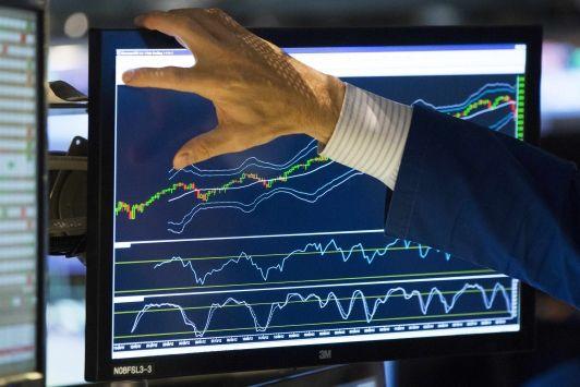 DIs seguem sem direção única nesta sessão da BM&F - http://po.st/DKeQMI  #Economia - #JurosFuturos, #MercadoDeRendaFixa, #Valorização