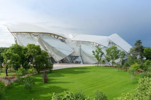 Where to See Fantastic Contemporary Art in Paris: A Complete Guide: Vuitton Foundation: A Bold New Venture