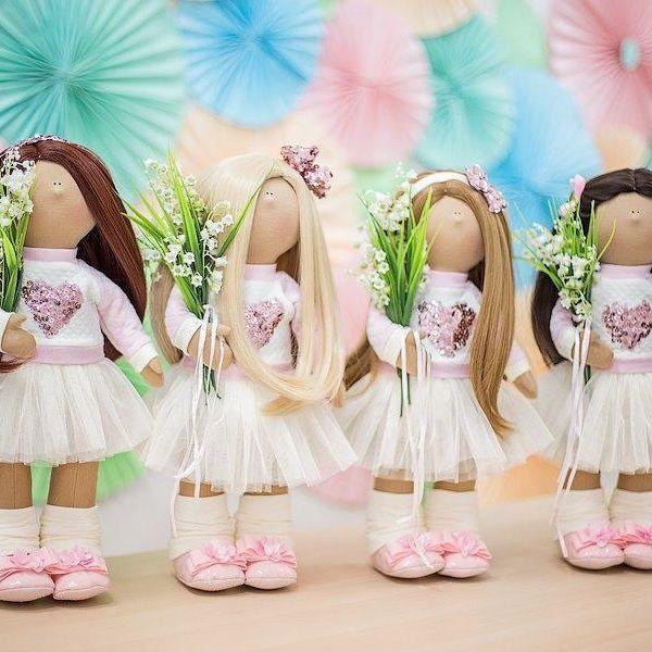 Девочки Казани!!!🌸🌿🌸🌿🌸🌿 На 15 апреля группа на мастер класс по интерьерной куколке набрана и есть ещё желающие на 16 число🌸🌸🌸🌿 Если вы хотите научится шить таких текстильных куколок - пишите в личном сообщении, все расскажу, как и где😉#ясмоглаитысмогешь…