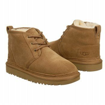 boy low top uggs