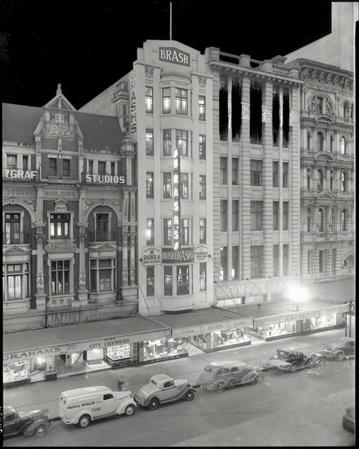 Elizabeth St in Melbourne at night in the 1930s.A♥W