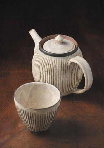 Ceramics / pottery - Akio Nukaga - #10 プリーツワーク teapot & cup - http://akio-nukaga.com/