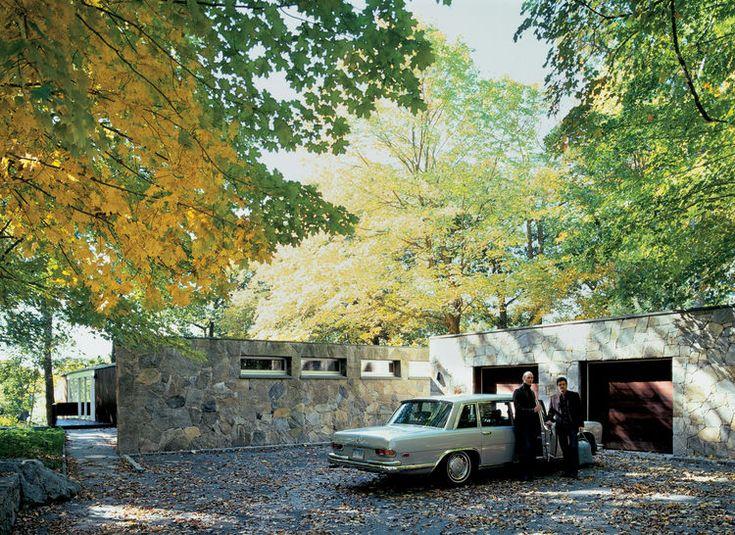 bassam-fellows-house-exterior-driveway