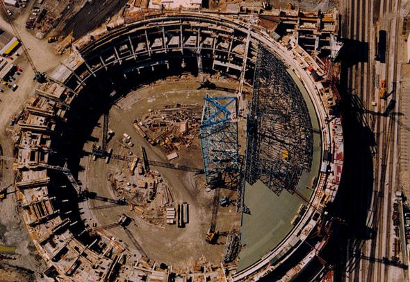SkyDome under construction. http://www.blogto.com/city/2012/01/a_look_back_at_the_birth_of_the_skydome/