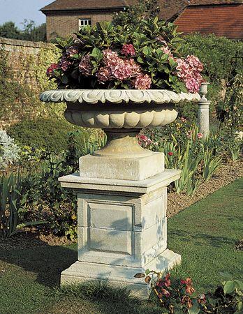Decorative Large Urns Endearing 24 Best Urns Images On Pinterest  Garden Urns Deko And Buildings Design Decoration