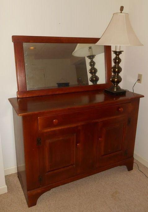 Cushman Colonial Of Bennington. VT Rock Maple Buffet W/ Matching Mirror And  Vint Brass