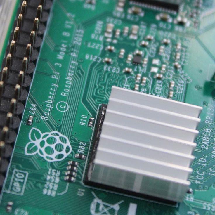 Mein Raspberry Pi 3 Model B ist da! Mal sehen was man damit so alles anstellen kann ....;-> #vorfreude #raspberrypi3modelb #raspberrypi #raspberry #pi #raspi #magpi #gpio #computer #python #python2 #raspbian #noobs #tech #technik #raspberrypifoundation #renatustv