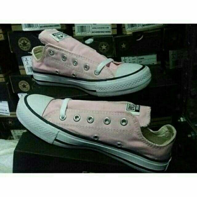 Saya menjual Converse Low Light Pink seharga Rp155.000. Dapatkan produk ini hanya di Shopee! {{product_link}} #ShopeeID