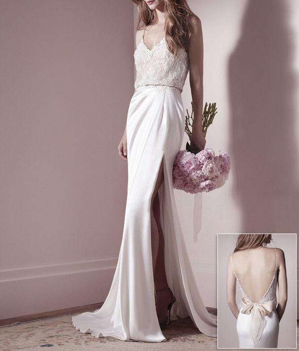 Une robe de mariée fendue