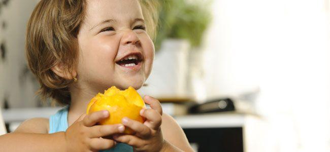 El melocotón es la fruta que más alergias produce entre los niños