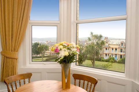 Arrandale Hotel, Douglas, Isle of Man. Hotel. Accommodation. Holiday. Travel. Coast. Sea. Beach. Free WiFi.