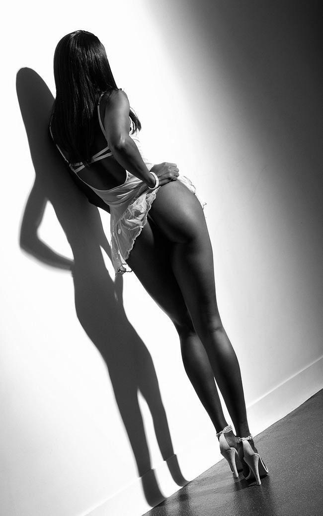 Идеальная попка девушки на каблуках