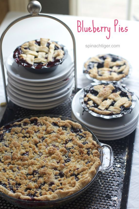 blueberry crumb pie with recipe for pie crumb topping via spinachtiger