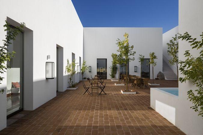 Ecorkhotel - Evora, Suites  Spa - An eco-oasis-hotel #ArchiJuice #hospitalitydesign #HotelDesign