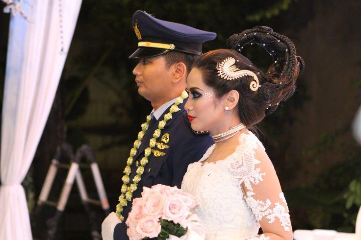 Modern Javanese bride.. Lovely