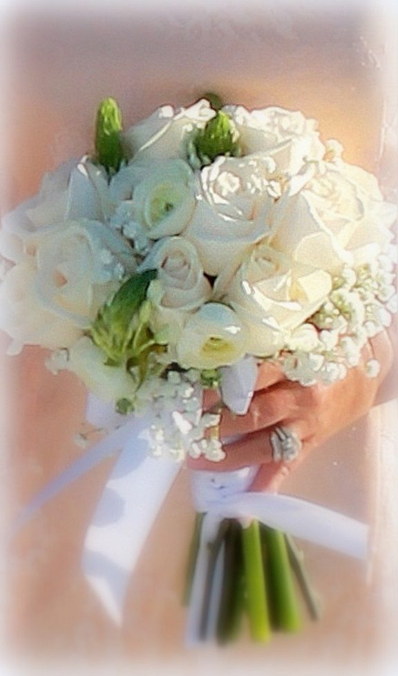 Wedding Flowerswhite And Greens Gorgeous Roses