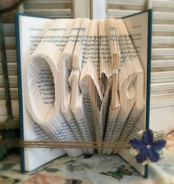 Teenage Girls Gift, Cool Gifts For Her, Wife Christmas Gifts, Book Folding Art, Cool Gifts For Women, Book Fold Art, Book Folding, Bookart