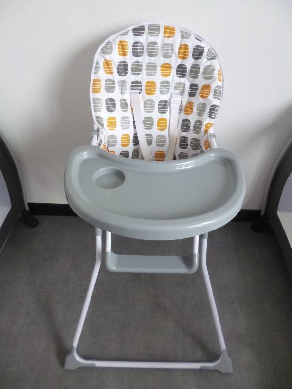 Location chaise haute neuve pliable Location loue chaise haute bébé à louer à Roubaix (59100) www.placedelaloc.com