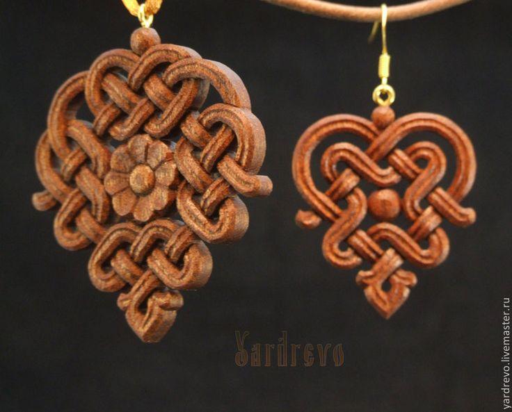 Купить Кулон и серьги резные , из красного дерева - кулон, серьги, из дерева, деревянные, резные