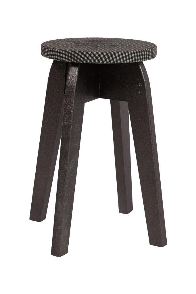 Невероятно популярны в настоящее время табуреты из дерева.  Деревянный (ель) табурет Keywest II  изготовлен в стиле модерн, коричневого цвета, круглое   сиденье, проложено поролоном и покрыто коричневой тканью, удачно сочетается с формой ножек, подойдет для многих стилей интерьера.             Метки: Мягкие табуреты, Табуреты для кухни.              Материал: Ткань, Дерево.              Бренд: DG Home.              Стили: Лофт, Прованс и кантри.              Цвета: Серый, Черный.