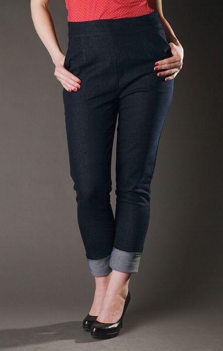 Sally Denim capri pants  http://www.misswindyshop.com/fi/shop/vaatteet/hameet+housut/sally+denim+capris