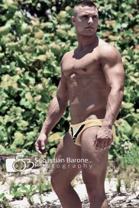 muscle men nude pics